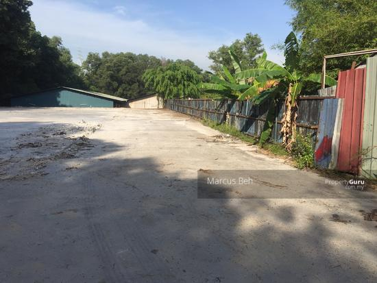 Industrial Zoning Land ( Ready to use ) @ Monterez Golf Club Kg Subang  152207429