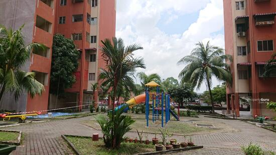 Sri Raya Apartments  156171256