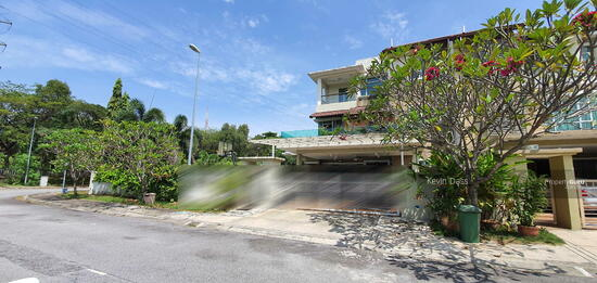 CORNER USJ HEIGHTS WITH SPACIOUS LAND FOR SALE  157460105