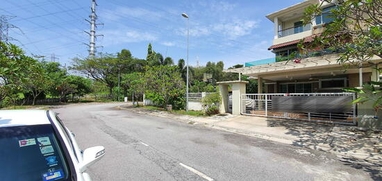 CORNER USJ HEIGHTS WITH SPACIOUS LAND FOR SALE  157460109