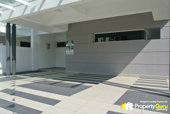 Bayu damansara pju 10 damansara damai review for Car porch designs for houses