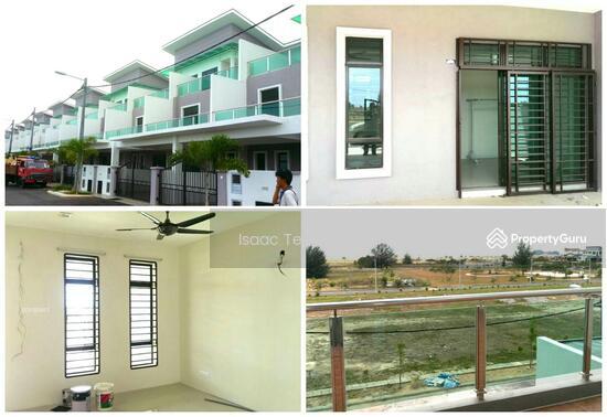 Vito melaka taman limbongan indah 3 storey terrace house for 3 storey terrace house