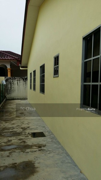 kota tinggi jewish singles Bandar penawar in south eastern johor is a world away from kuala lumpur's golden triangle, but rental for a single storey terrace house in this town can fetch up to.