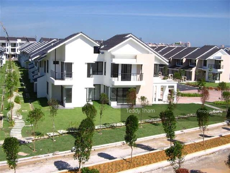 Corner 2 storey super link house lake edge courtyard for 2 storey house for sale