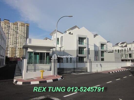 3 storey terrace house elite homes jelutong jalan bakau for 3 storey terrace house for sale