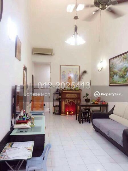 Bukit indah single storey terrace house bukit indah for House interior design johor