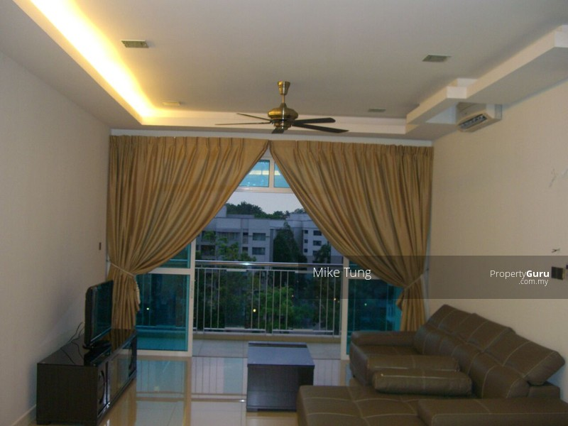 Amaya Saujana Room For Rent