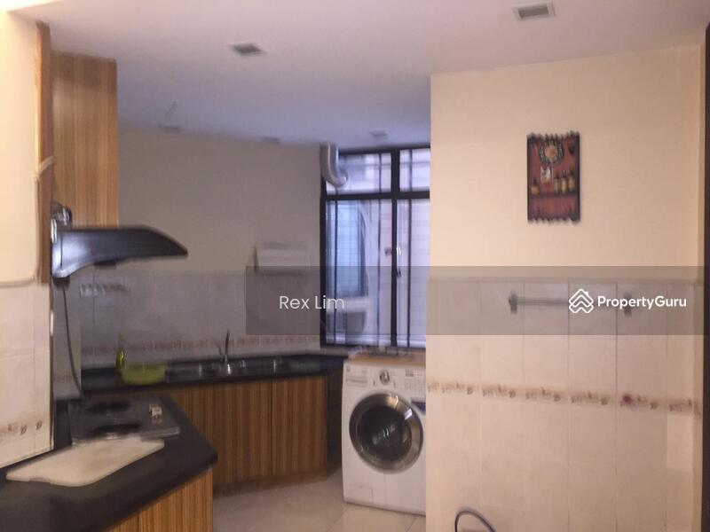 Casa Indah Persiaran Damansara Indah Petaling Jaya Selangor 2 Bedrooms 1384 Sqft