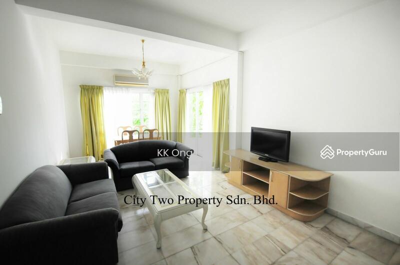 Robson Condominium Room For Rent
