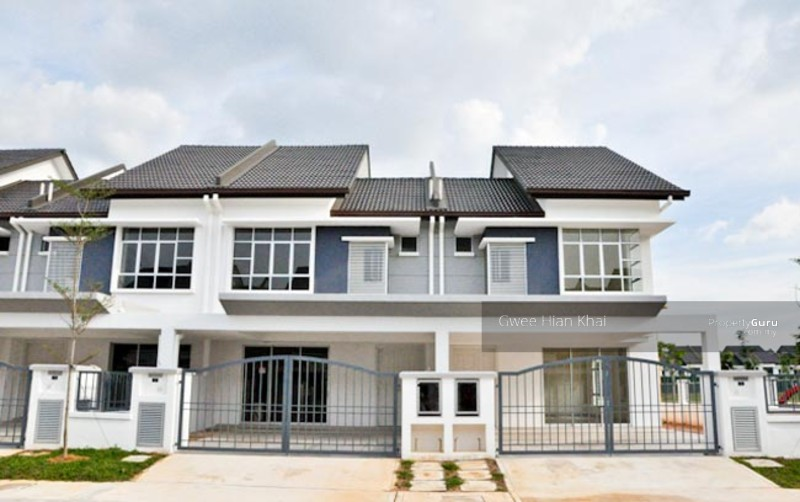 GATED AND GUARD NEW TERRACE HOUSE @ BANTING KLANG SHAH ALAM #95596907