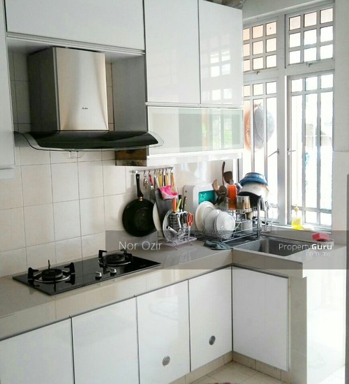 Kitchen Cabinets Singapore: TOWNHOUSE LUAS RENO KITCHEN CABINET, SG BULOH, Sri