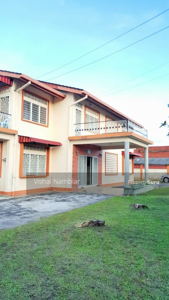 Two Storey Bungalow House Design: Double Storey Bungalow With Spacious Land At Teluk Intan
