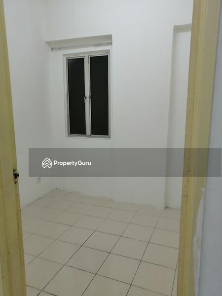 Puncak Desa Apartment #164783481