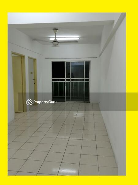 Puncak Desa Apartment #164783535