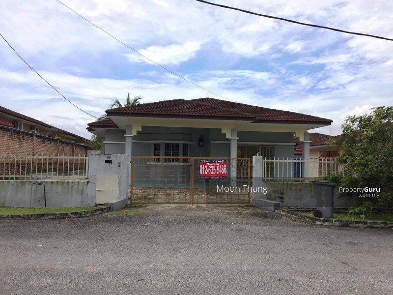Bungalow house in sikamat acasia for sale sikamat acasia for Bungalow home for sale