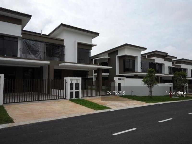 Valley west 2 storey end lot terrace house horizon hills for 2 storey house for sale