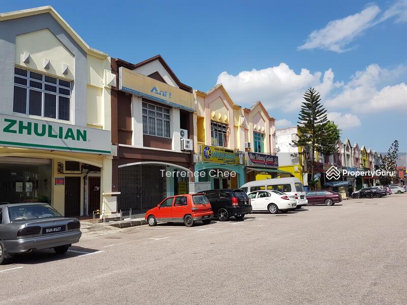 Double storey shop lot endlot for sale with ROI 4.3 % @ Taman Universiti #105818441