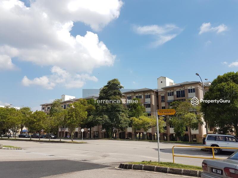 Double storey shop lot endlot for sale with ROI 4.3 % @ Taman Universiti #105818447