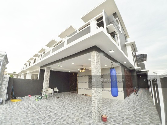 3 storey terrace house emerald alam impian freehold for 3 storey terrace house