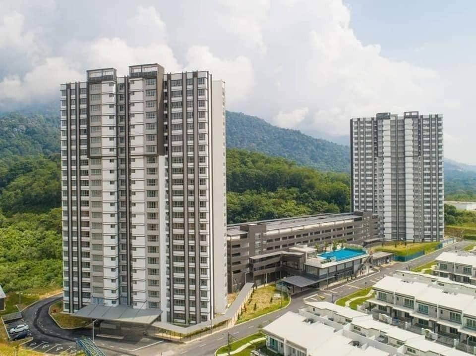 For Sale - Fully Furnish Show House New Condominium In Meru Raya