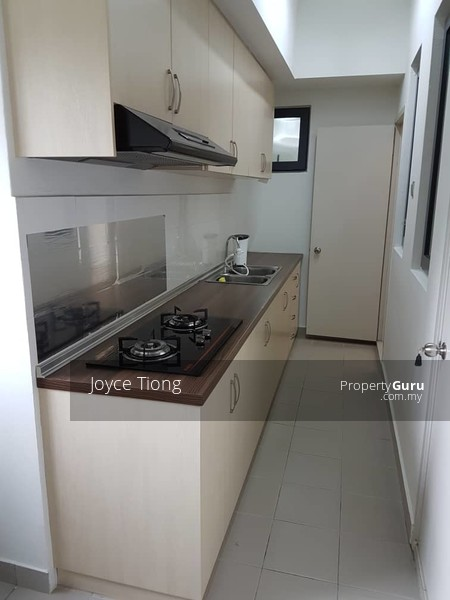 Residence 8 #126192469