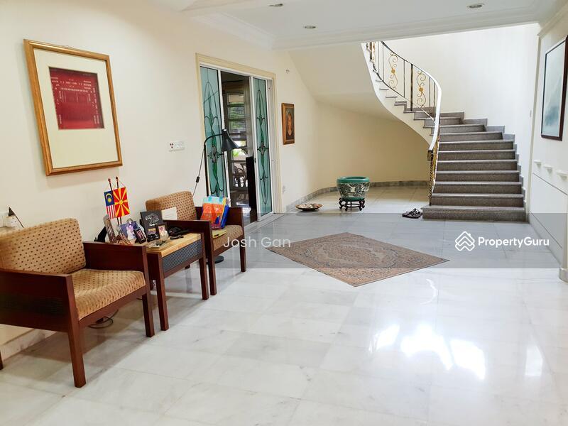 Corner Semi D With Large Land At Damansara Jaya #157630839