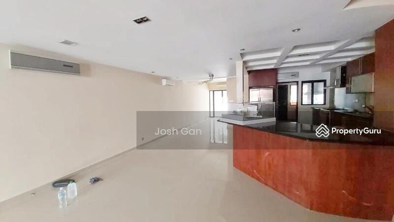 Large Land Double Sty Link In Private Neighbourhood at Damansara Jaya #157522995