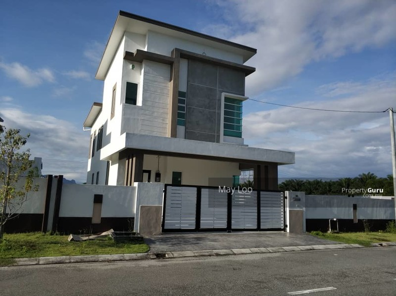 Freehold Gated and Guarded New Bungalow At Tmn Putra Pertama Bercham #133859573