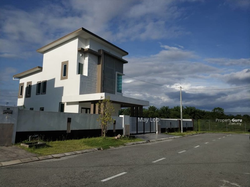 Freehold Gated and Guarded New Bungalow At Tmn Putra Pertama Bercham #133859581