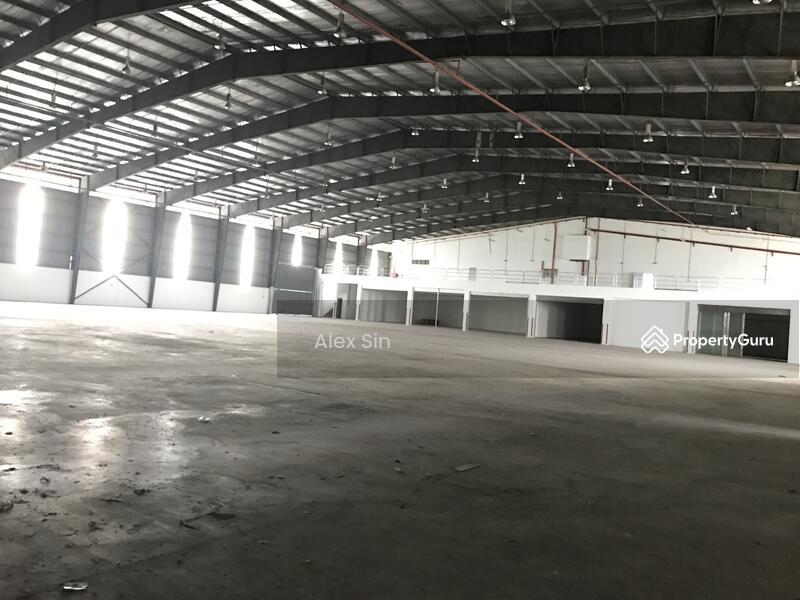 Subang Jaya 3 Storey Detached Warehouse Factory #145884663