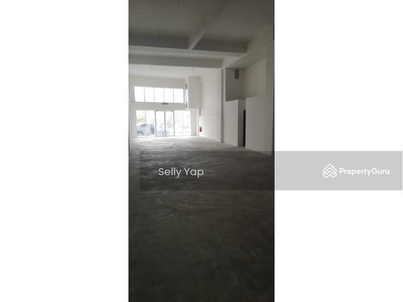 Galleria Cyberjaya, Gld FLR Shoplot for RENT RM5000, Call Selly 010-2866 966