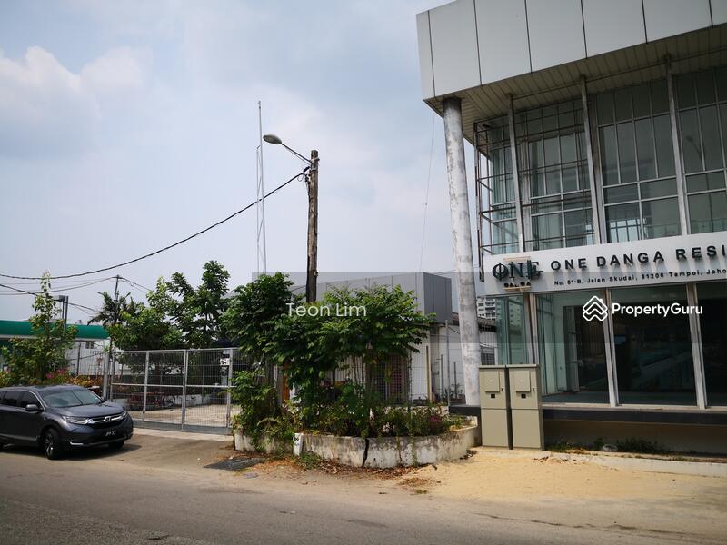 Jalan Skudai Kiri #137094859