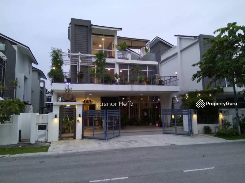 Triple Storey Bungalow Kota Kemuning #138431393
