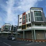 马六甲目前最旺地点 ! 四层楼角头间‼️有私人电梯 ! Kompleks Perniagaan Kota Syahbandar 4sty Corner Lot Shop Office