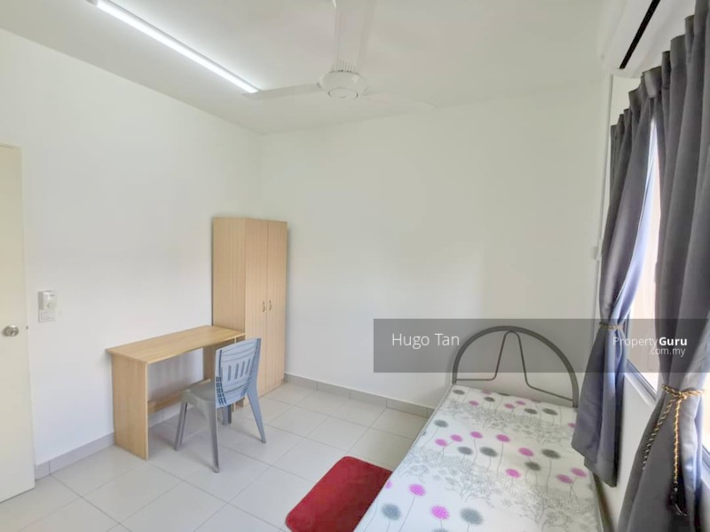 Fully Furnished Free Wifi Single Room for Rent in Setia Alam #140686825