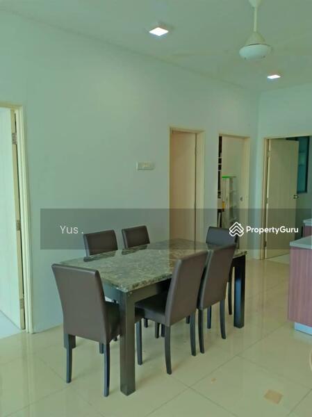 Vista Alam Serviced Apartment #143047461