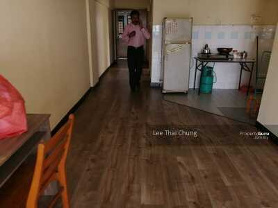 For Sale - Apartment Perdana seksyen 13 Shah Alam 3R2B 850sqft