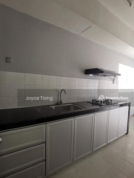 Residence 8 #151957677