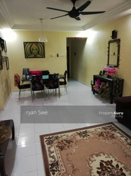 Sri Ehsan Apartment #163669765