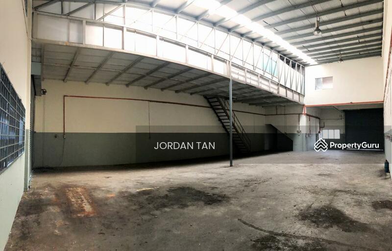 Desa Cemerlang - 1.5 Storey Terrace Factory #148136535