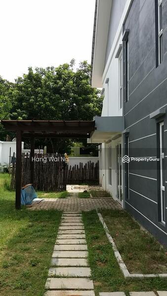 Kota Damansara, Selangor (ref 375) #148941185