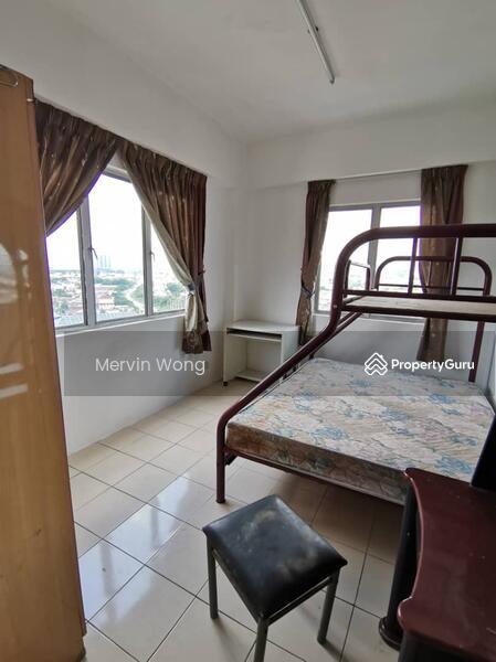 Puncak Desa Apartment #149346575