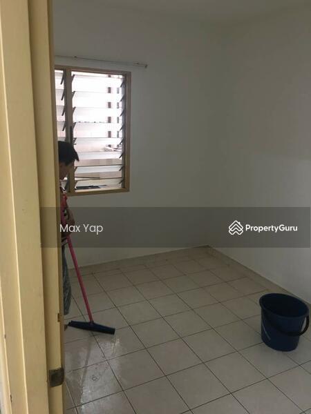Suria Apartment @ Damansara Damai #150796985