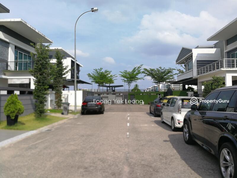 Johor Bahru, Austin Heights  2 Storey Semi_Detached House #150902565