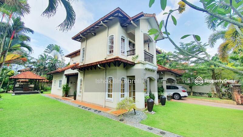 CORNER Bungalow House Bukit Jelutong #151706399