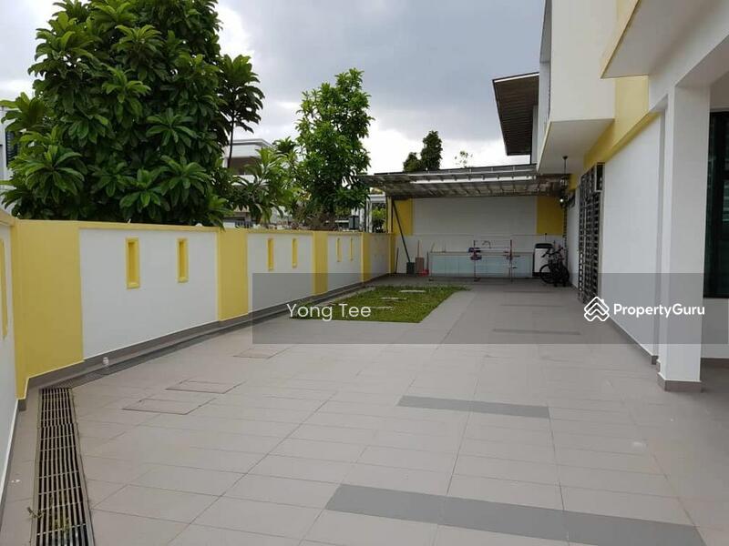 Taman Ungku Tun Aminah #152364793