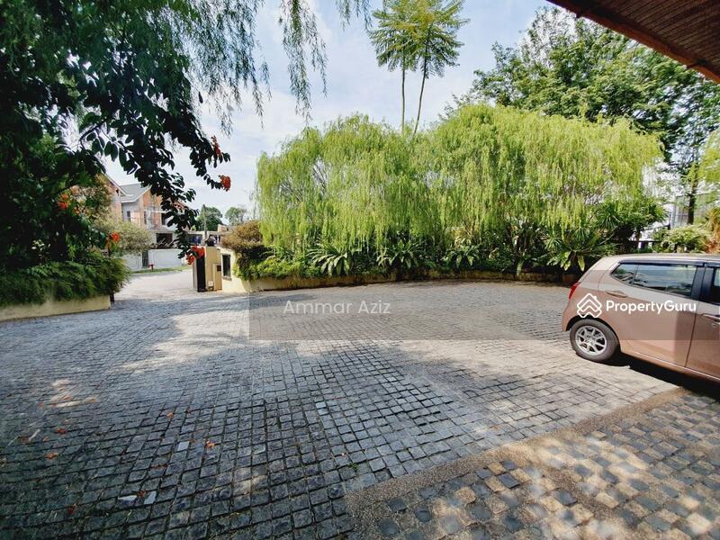 [ HUGE LAND AREA & POOL] Bungalow Seksyen 9 Shah Alam #154301599