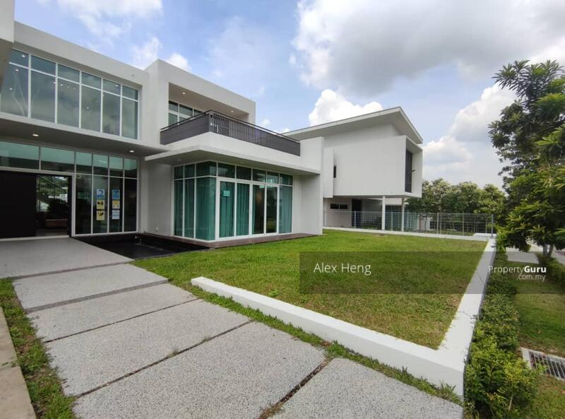 New 2 Storey 80' x 135' Bungalow @ Shah Alam! Direct Access to Dash Highway #154563495