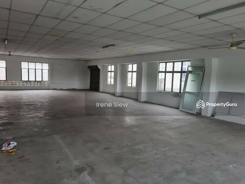Rm550k nego Spacious Endlot Double Storey Shop good location Seremban Jaya #155553229