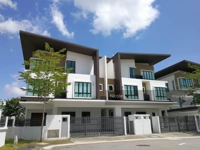 For Sale - Special Offer ! ! Last Unit 2 Freehold End Lot 25X85 Full Loan 100% PUCONG